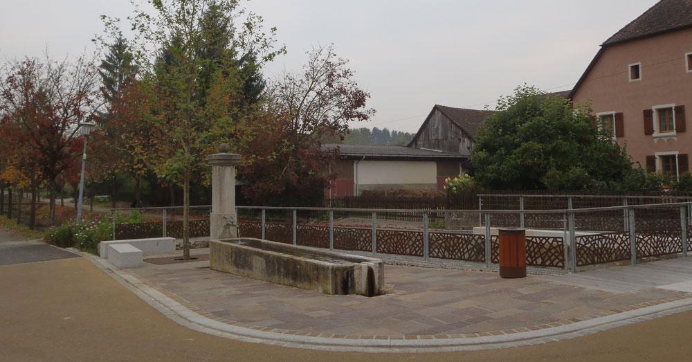 Berentzwiller place de la fontaine gallois curie for Architecte paysagiste alsace